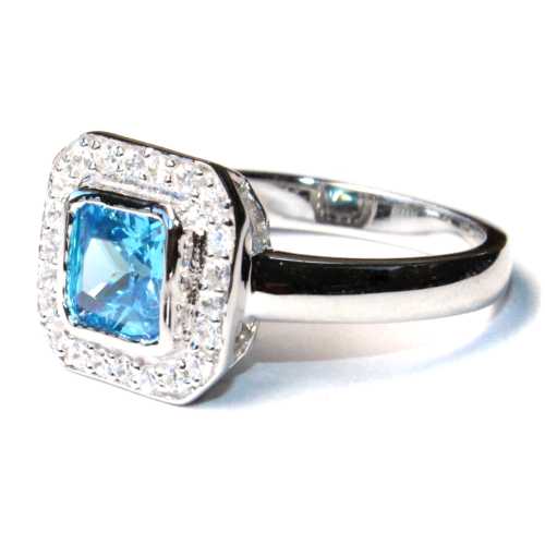 Princess Cut Aquamarine Promise Ring Side,png