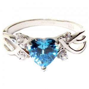 Aquamarine Heart Shaped Ring – Aqua Cubic Zirconia Front