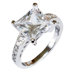Princess Cut Diamond Promise Ring