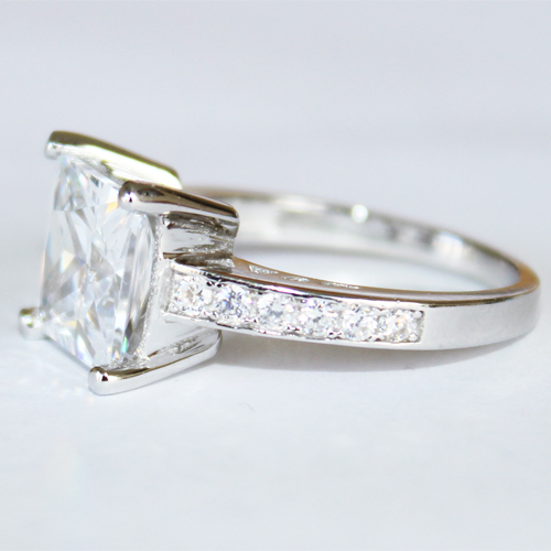 Princess Cut Diamond Promise Ring Side